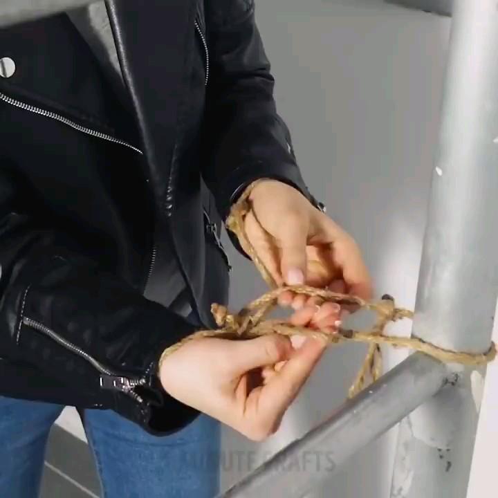 ویدیو آموزش ترفندها و تردستی های جالب با نخ ، کش و ...