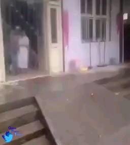 ویدیو کلیپ باحال از کمک کردن خنده دار به بیمار :)))