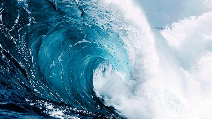 تصویری زیبا از موج دریا