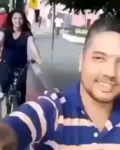 عاقبت استوری گذاشتن تو خیابون | ویدیو خنده دار اینستاگرامی