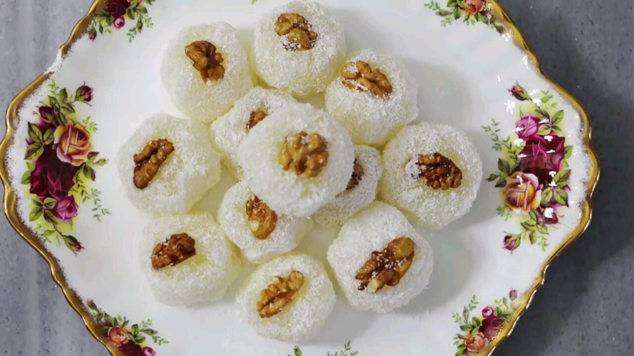 طرز تهیه باسلوق گردویی شیرینی اصیل و سنتی ایرانی