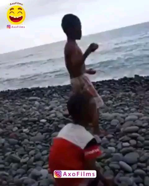 خیلی جالب کمونه کرد :)) | ویدیو خنده دار