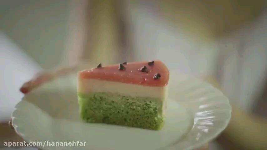 ویدیو طرز تهیه کیک هندوانه ای شب یلدا با طعم هندوانه