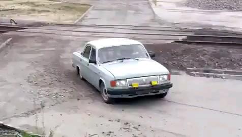 سرویس مدرسه دهه شصتیا!  :))