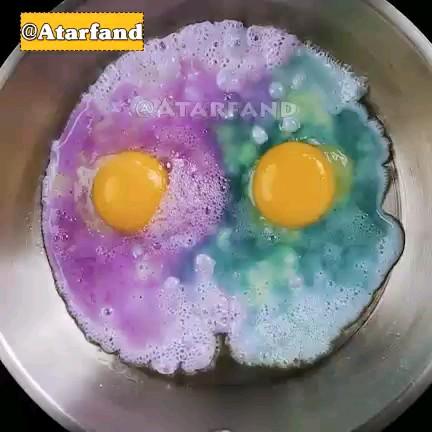 فیلم آشپزی آموزش نیمرو رنگی | ترفند جداکردن پوست تخم مرغ