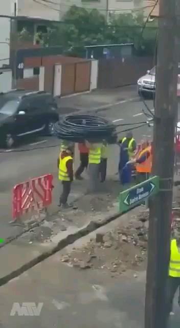 استفاده مفید از نیروی کار :))   ویدیو باحال خنده دار کوتاه