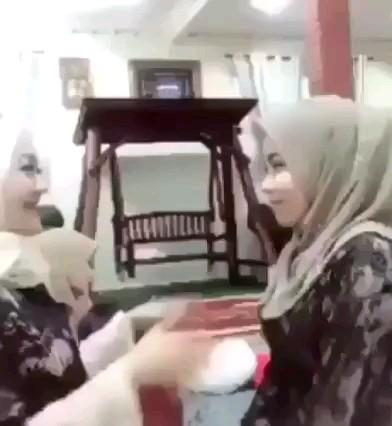 احوالپرسی عروس و خواهر شوهر :))