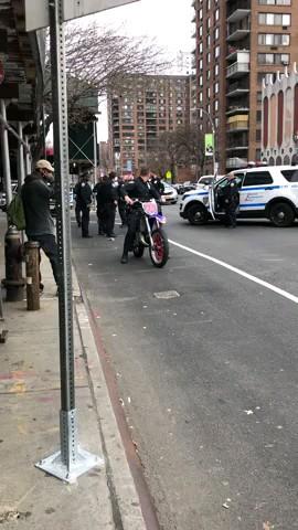 اینم هنرنمایی پلیس آمریکا با موتور کراس :))