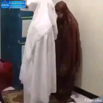 طرف دیگه نماز جماعت نمیخونه :))