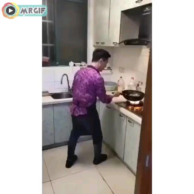 آشپزی کردن پسرا :)))