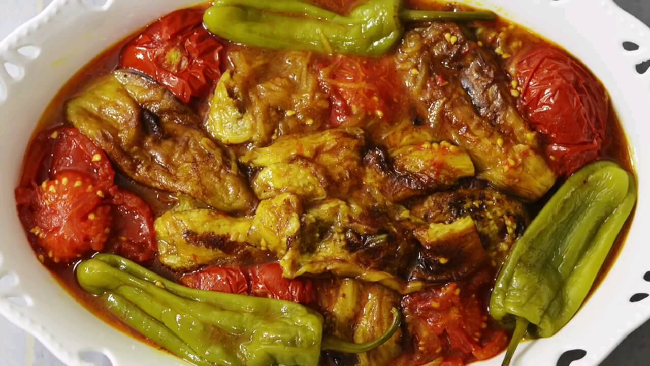 فیلم طرز تهیه گوجه بادمجان سنتی و خوشمزه