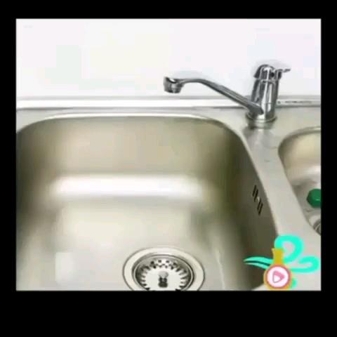 چگونه سینک ظرفشویی را باز کنیم و بوی بد فاضلاب را از بین ببربم ؟