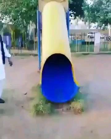 وقتی از ذوق کودک درونت فعال میشه میبینی که بیوه فامیلم باهاتون اومده پارک ((: