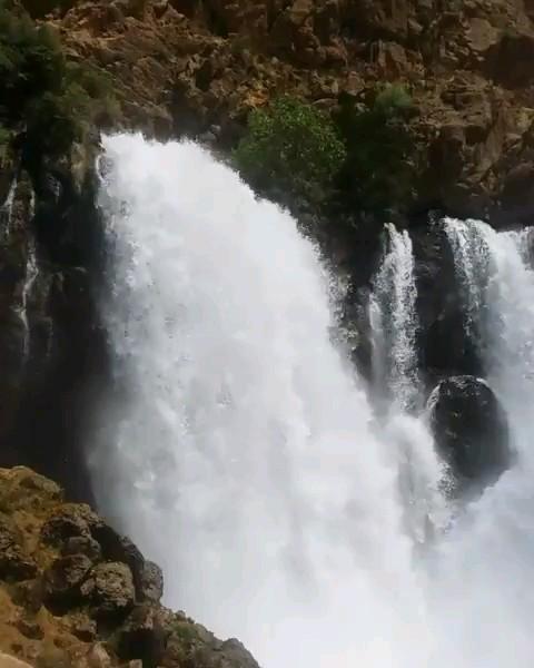 آبشار چکان الیگودرز در لرستان