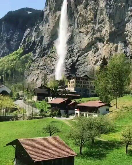 طبیعت زیبا و رویایی سوئیس
