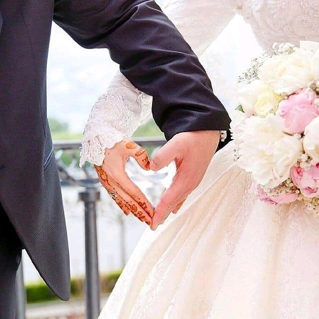 عروس و داماد عاشق