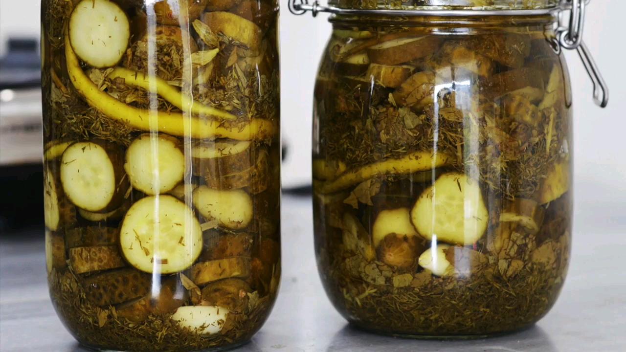 طرز تهیه خیارشور ترد و خوشمزه خانگی