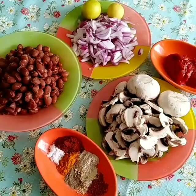 کلیپ آشپزی | آموزش خوراک لوبیا چیتی با قارچ