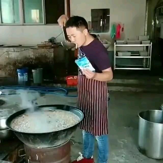 استاد آشپزی :))) | کلیپ طنز کوتاه