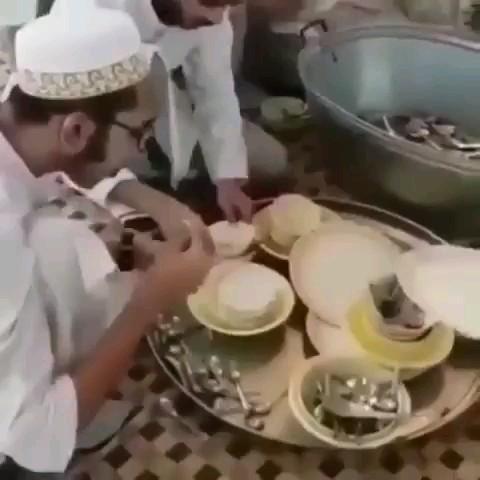 روش صحیح پاک گردن ظروف وقتی امکانات نیست :))