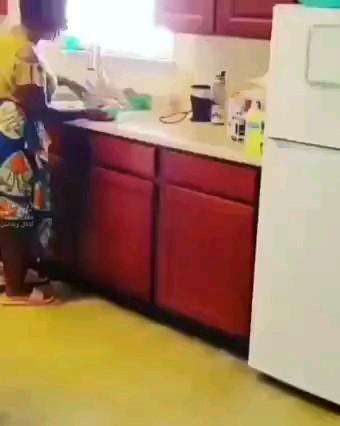وقتی واسه خونواده شوهرت میخوای شیرینی بپزی :)) خنده دار