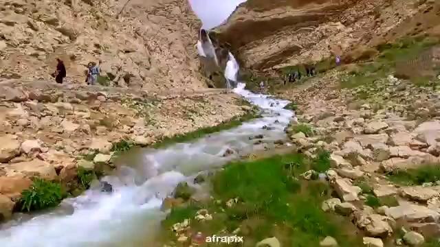 کلیپی زیبا از آبشار شیخ علیخان و تونل کوهرنگ بختیاری