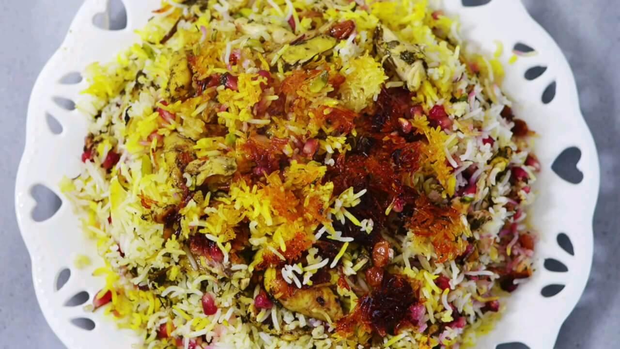 طرز تهیه انار پلو خوشمزه برای شب یلدا و شب های زمستان