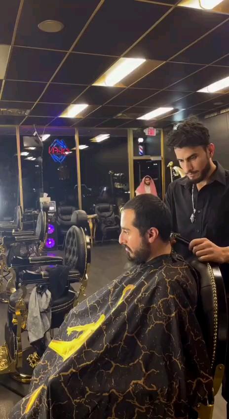 دانلود فیلم طنز خنده دار، سریع ترین راه برای اصلاح مو