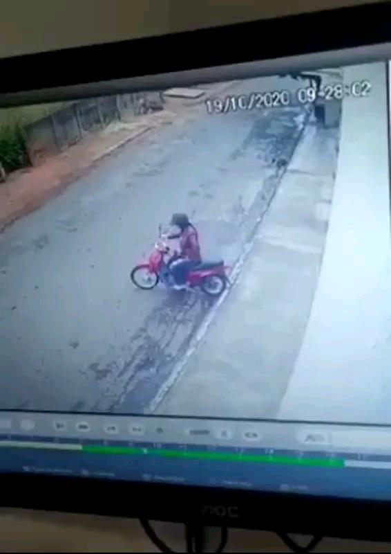 کلیپ کوتاه خنده دار موتورسواری خانم :))