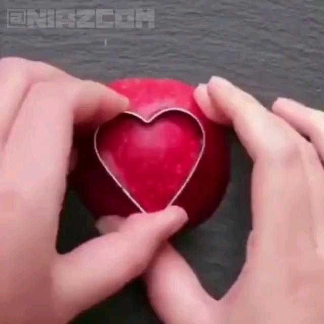 برای ولنتاین با این ترفندا میوه هاتون رو تزئین کنید