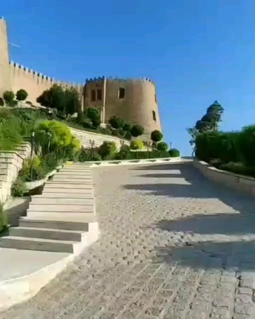 دژ شاپور خواست یا قلعه فلک الافلاک ، یادگار ساسانیان در خرم آباد