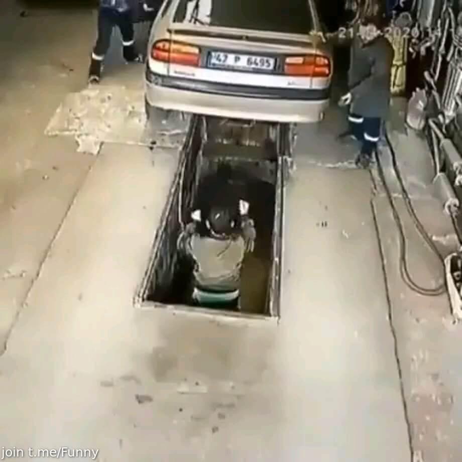 کلیپ خنده دار تعمیرگاه ماشین :))