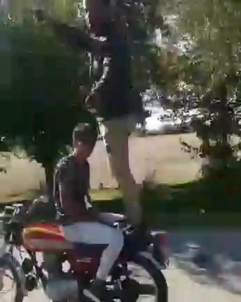دانلود کلیپ خنده دار و باحال از دو جوان ایرانی :))