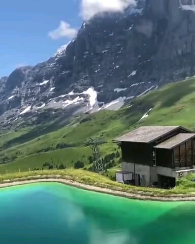 صبح بهاری طبیعت سوئیس