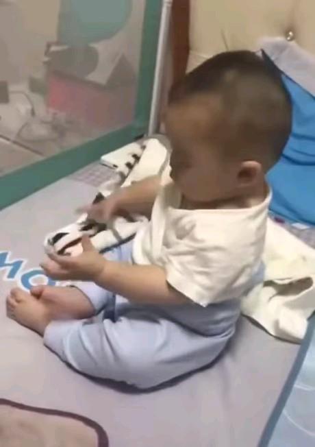 دانلود GIF بچه کوچولوی بامزه