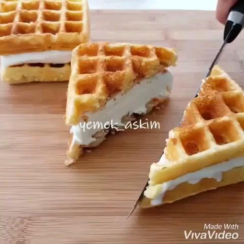 کلیپ آشپزی | طرز تهیه ساندویچ وافل با بستنی