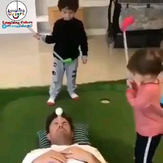 کلیپ خنده دار بازی گلف بچه ها :))