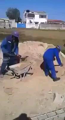 Gif طنز | نحوه ی انجام پروژها در ایران  :)))