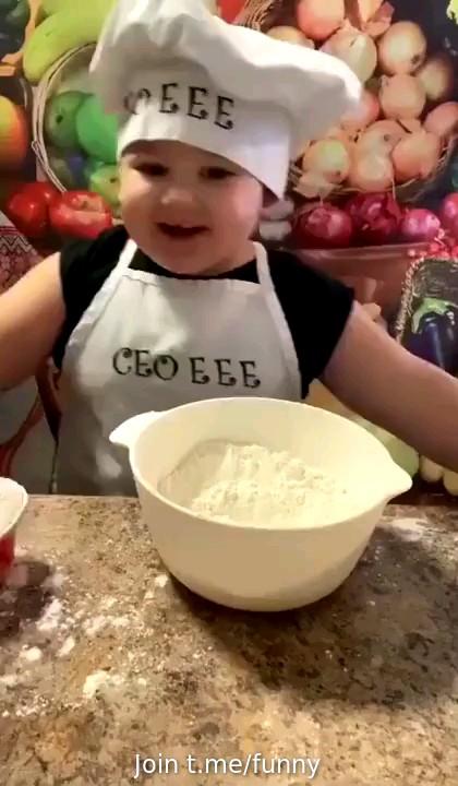 گیف خنده دار باحال بچه
