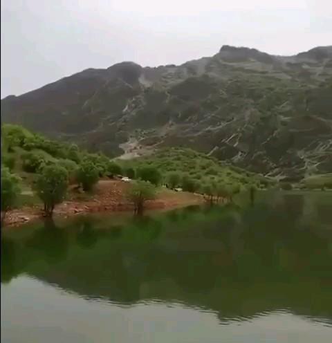 دریاچهی سراب چنار، منطقهی توریستی بسطام در شمالِ استان لرستان