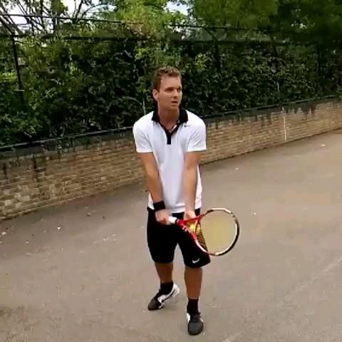 قهرمان و نابغه تنیس :)) | کلیپ خنده دار