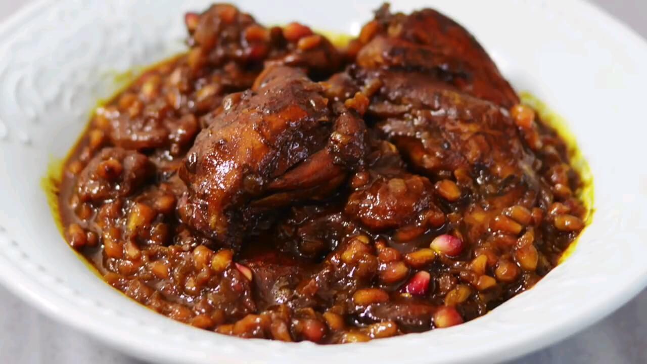 طرز تهیه مرغ ناردونی یکی از خورشتهای خوشمزه سنتی شمال