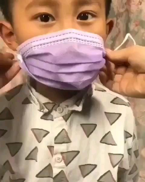 ترفند تبدیل کردن ماسک بزرگ به کوچک برای بچه ها