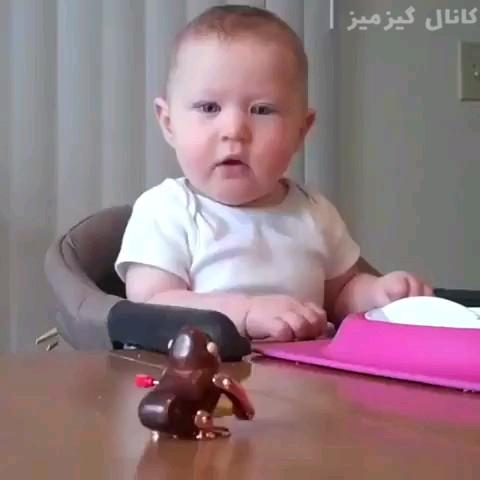 فیلم صحنههای بامزه از ترسیدن بچهها