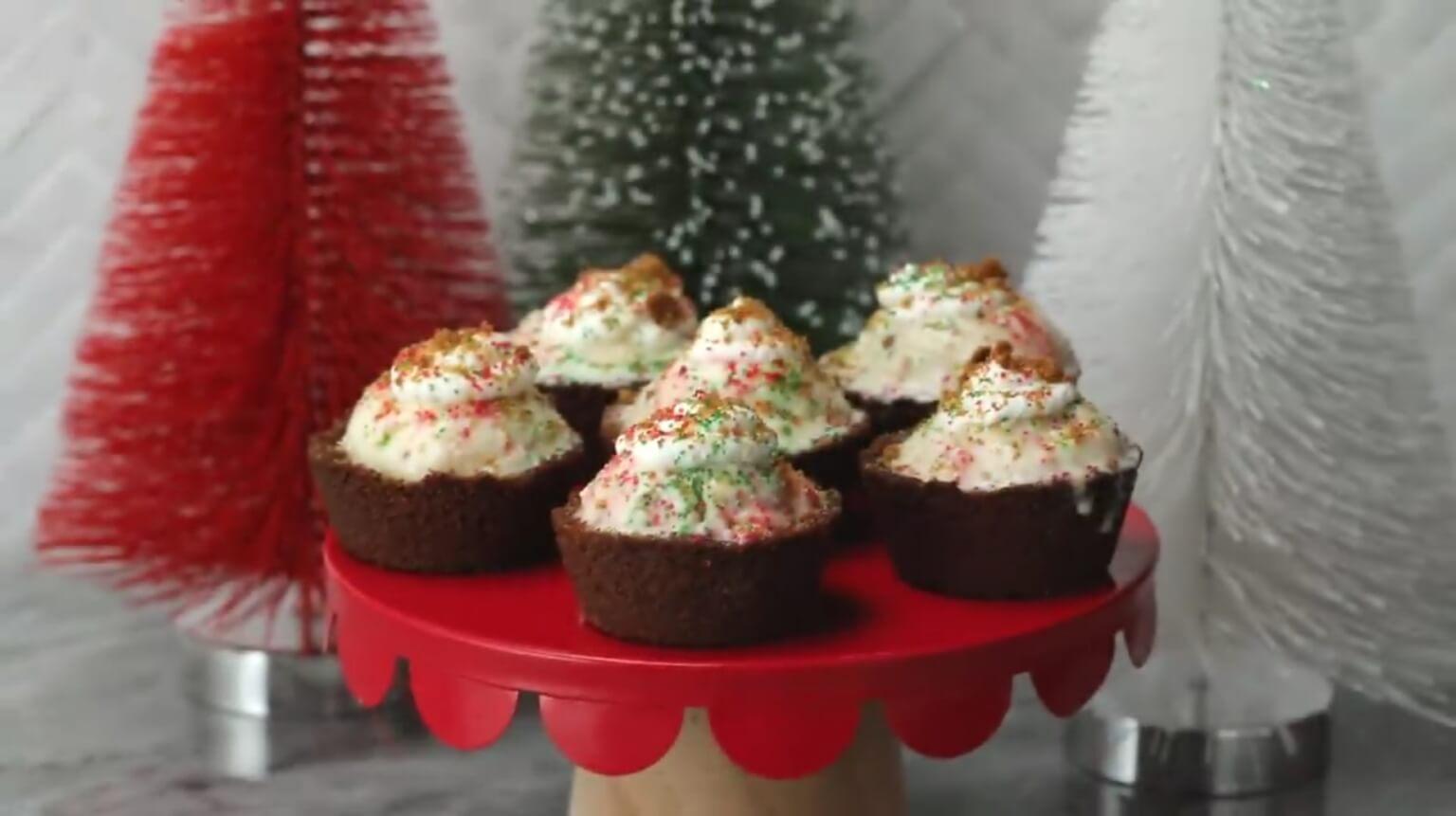 طرز تهیه کیک بستنی زنجفیلی برای کریسمس