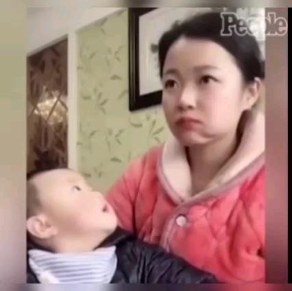 واکنش خنده دار بچه به مادر :)) هیچی بدتر از شک کردن نیست لامصب!