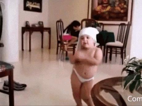 رقصیدن خنده دار کودک