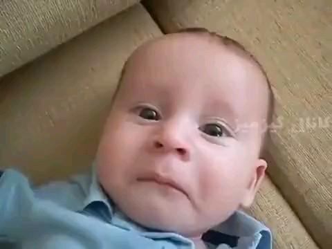 گریه خنده دار بچه