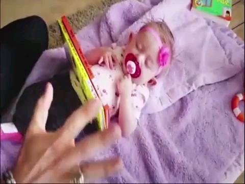 بچه رو دست باباش ندید مخصوصا اگه باباش شعبده باز باشه :)))
