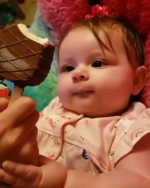 آخه چطور دلتون میاد بچه رو زجر بدید؟ :)) | کلیپ باحال نی نی کوچولو